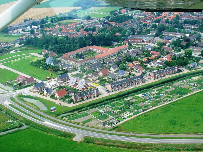 piershil-luchtfoto-buitenom-2005