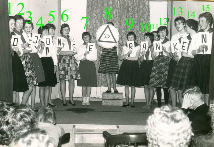 piershil-meisjesvereniging-25jarigbestaan-1961-nrs