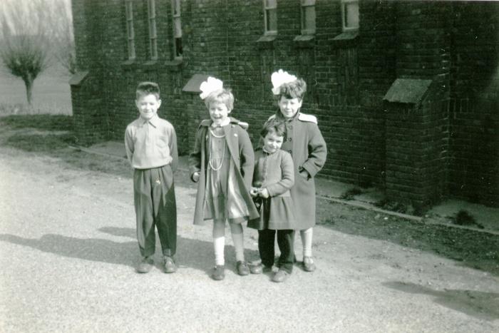 piershil-molendijk-kinderen-bijkerkje-1956