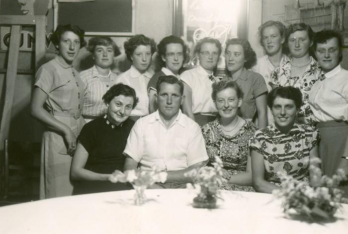 piershil-ondertrouw-presidente-circa1955