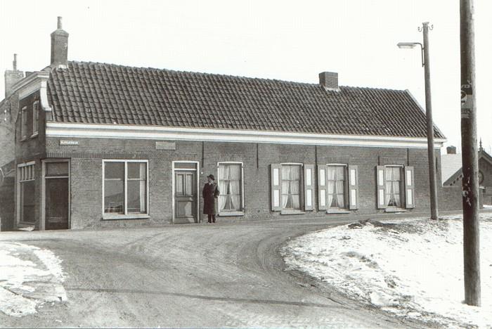 piershil-sluisjesdijk-kleermakerij-1960-01
