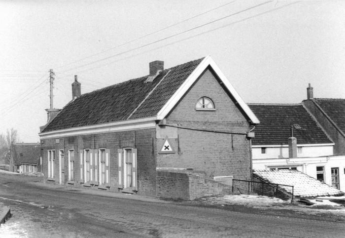 piershil-sluisjesdijk-kleermakerij-1960-02