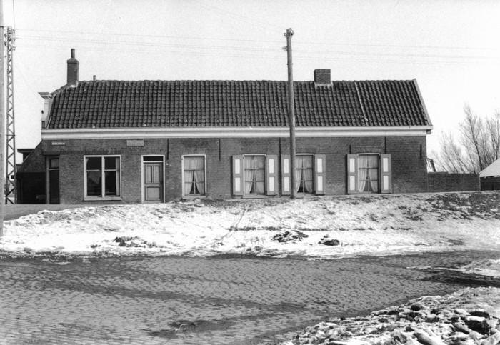 piershil-sluisjesdijk-kleermakerij-1960-03