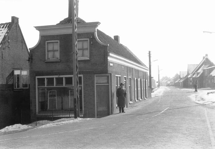 piershil-sluisjesdijk-kleermakerij-1960-04