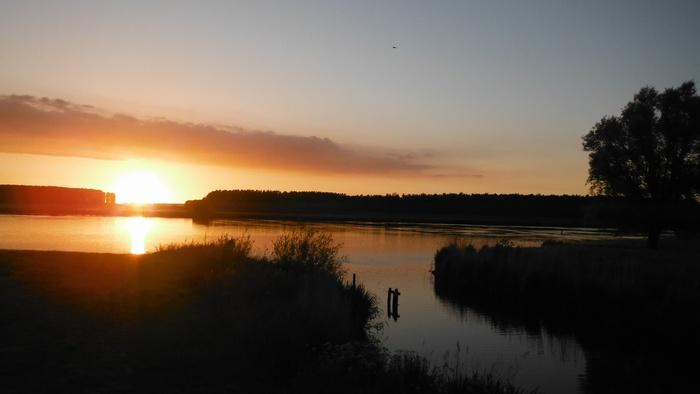piershil-spui-zonsondergang-10juni2014-01