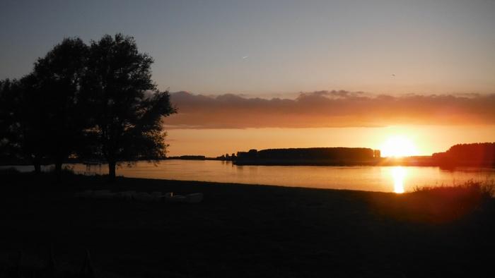 piershil-spui-zonsondergang-10juni2014-02