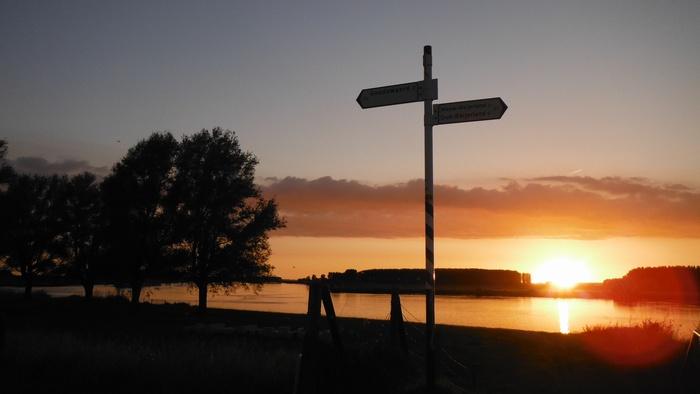 piershil-spui-zonsondergang-10juni2014-06