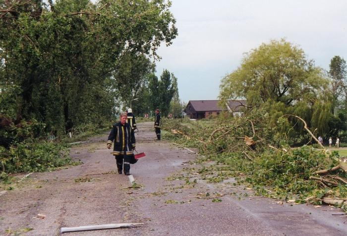 piershil-stormschade-7juni-1997-molendijk-