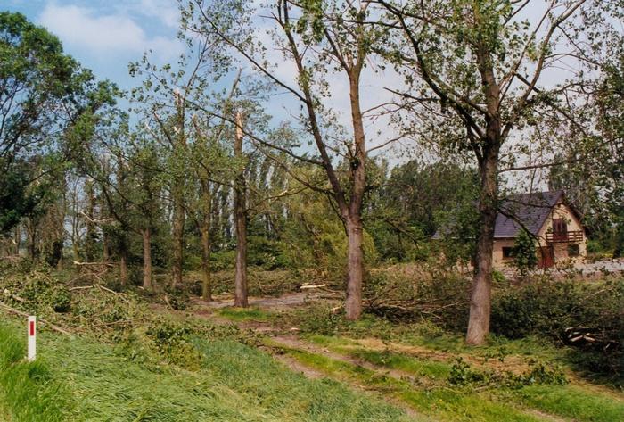 piershil-stormschade-7juni-1997-oudendijk-1