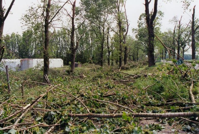 piershil-stormschade-7juni-1997-oudendijk-2
