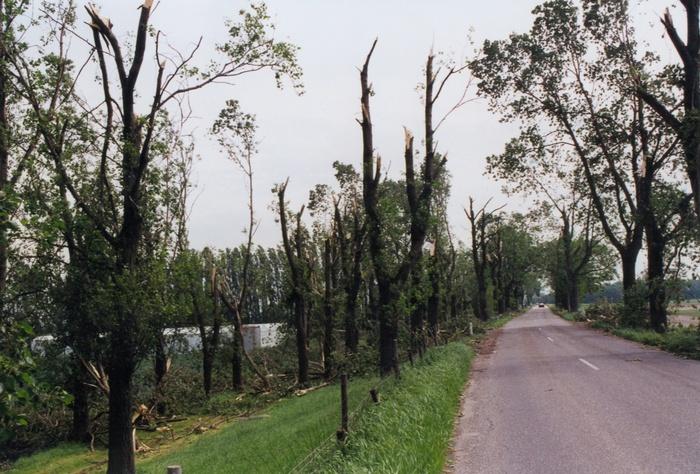 piershil-stormschade-7juni-1997-oudendijk-4
