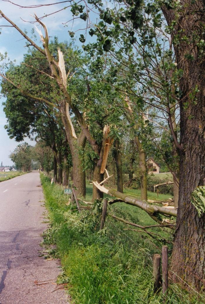 piershil-stormschade-7juni-1997-oudendijk-5