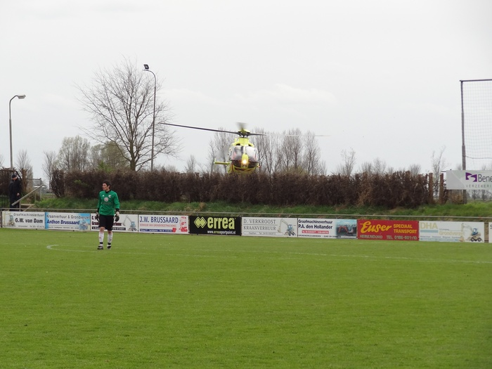 piershil-traumahelicopter-7april2012-05