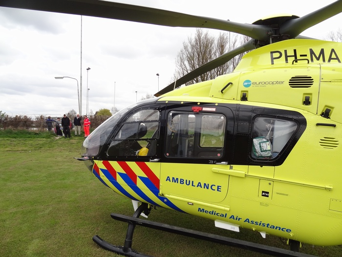 piershil-traumahelicopter-7april2012-08