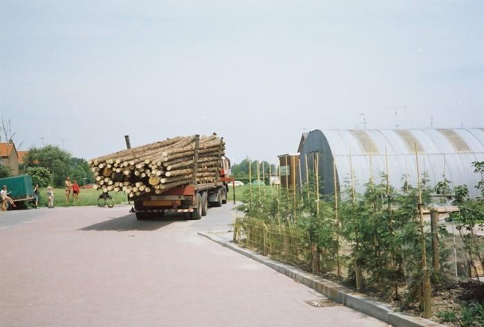 piershil-vanvollenhovenstraat-heipalen-1982-01