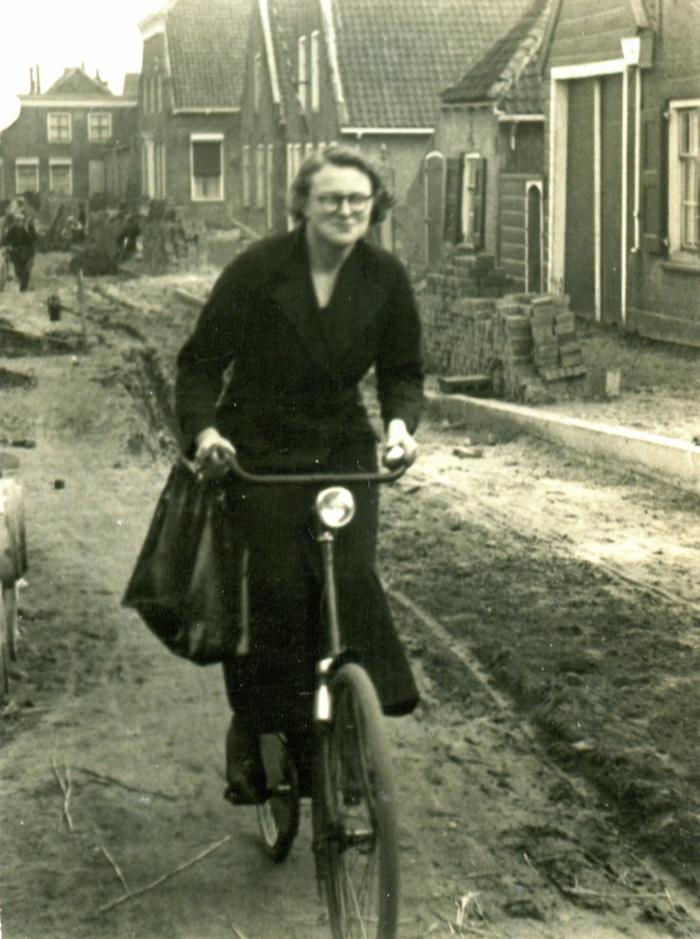 piershil-voorstraat-1937-gre-poldervaart