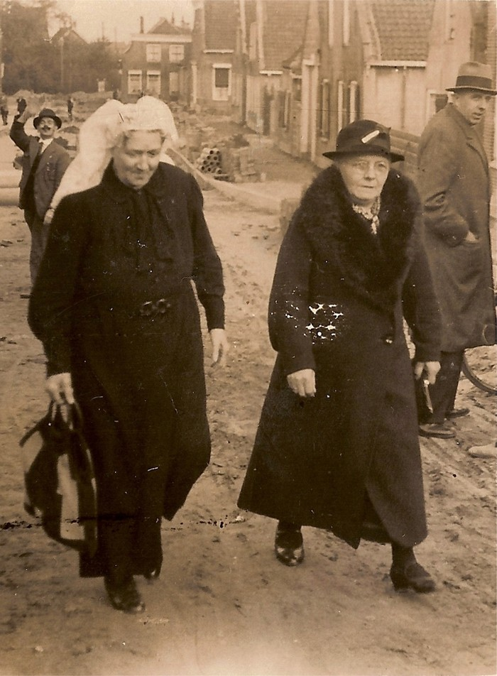 piershil-voorstraat-1937-open