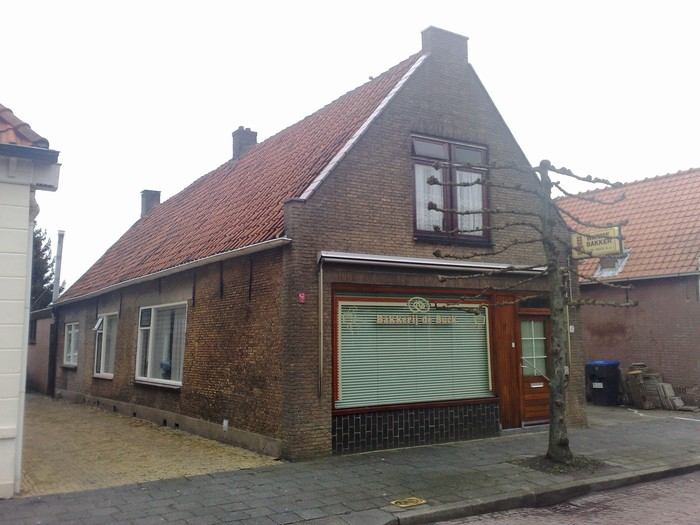 piershil-voorstraat-bakkerij-24feb-2010-01