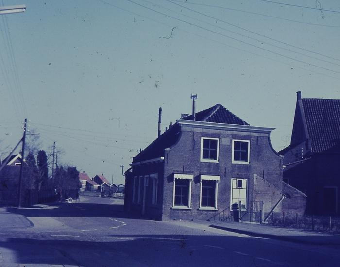 piershil-voorstraat-bebouwing-1967-002