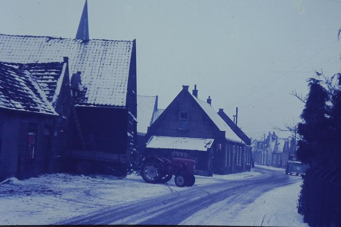 piershil-voorstraat-bebouwing-1967-005