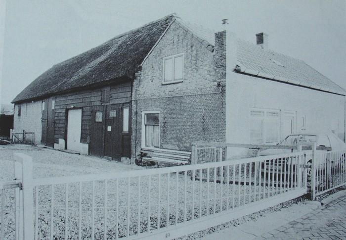 piershil-voorstraat-boerderijverhulp-1988