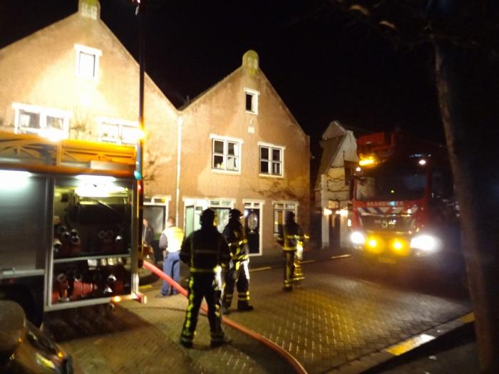 piershil-voorstraat-brandweer-schoorsteenbrand-30nov2013-02