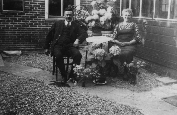 piershil-voorstraat-huwelijksfeest-1935-01