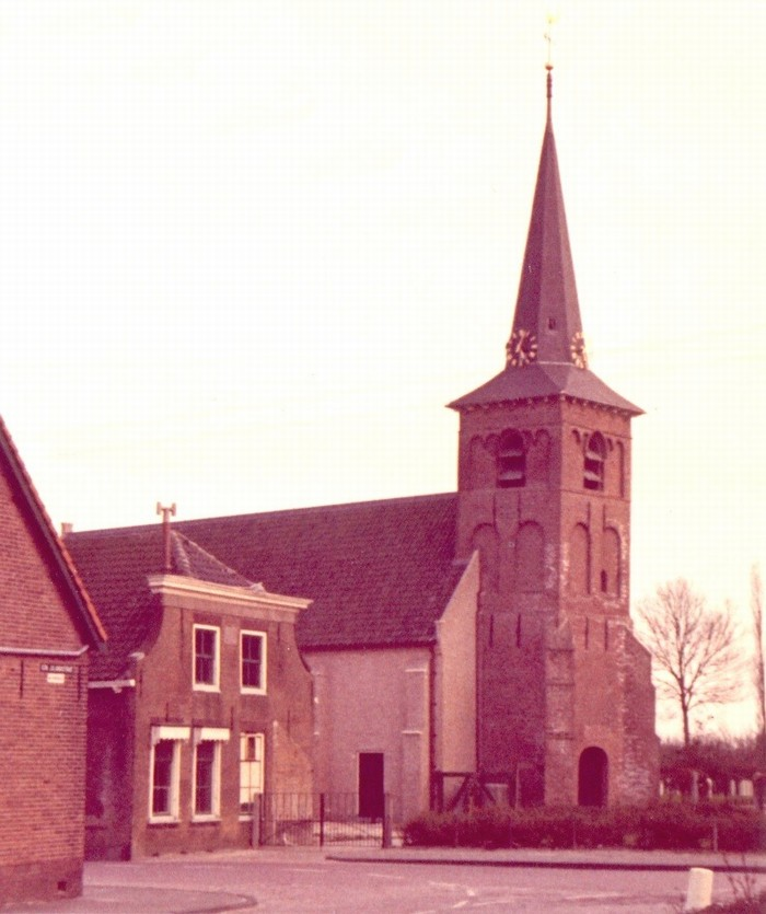 piershil-voorstraat-kerkherbouwd
