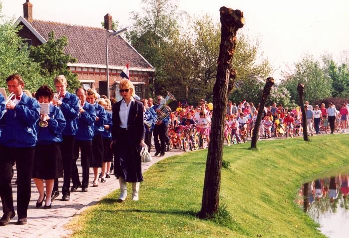 piershil-voorstraat-kondag-1990-03