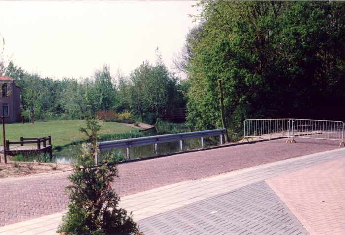 piershil-voorstraat-kondag-1990-04