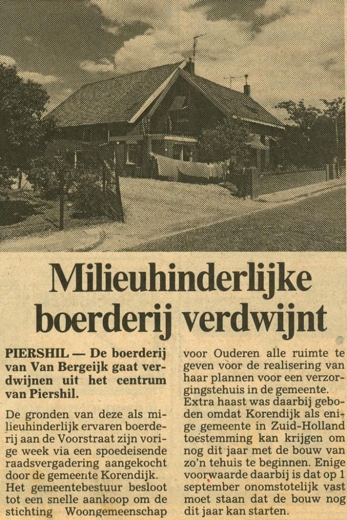 piershil-voorstraat-milieuhinderlijke-boerderij-hetzuiden-24juli1986