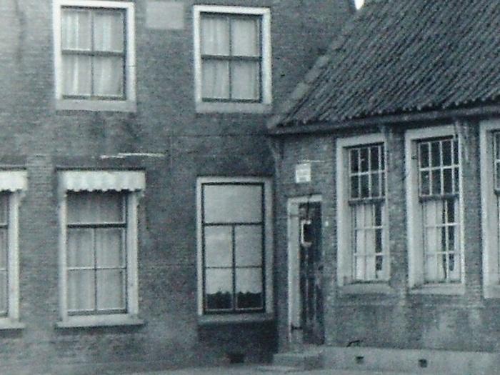 piershil-voorstraat-oudeschool-afgebroken-1965-uitsnede-02