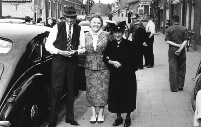 piershil-voorstraat-oudevd-1jul1953-02