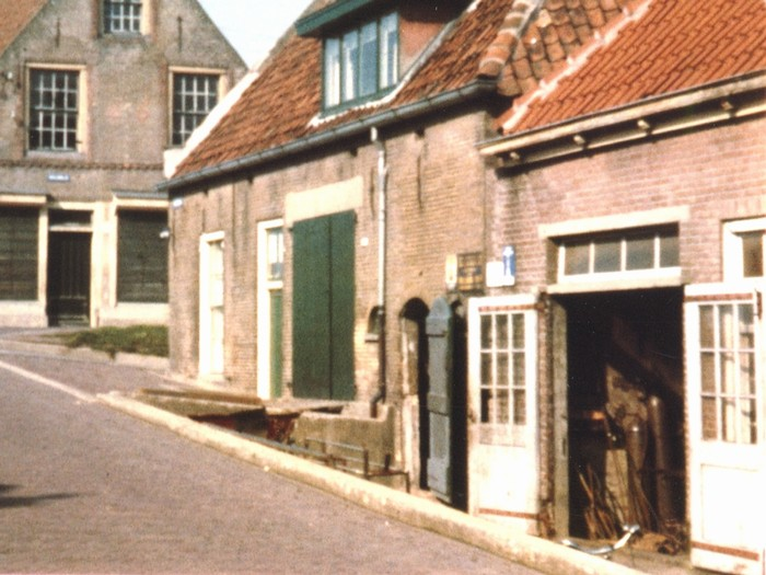 piershil-voorstraat-smederij-sept1962