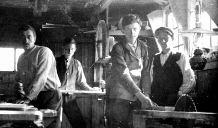 piershil-voorstraat-timmerwinkel-1932-uitsnede