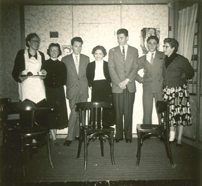 piershil-voorstraat-toneel-1957