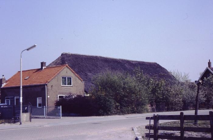 piershil-voorstraat-verhulp-zomer1989