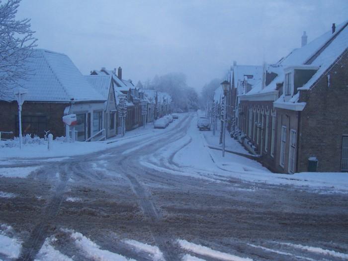 piershil-voorstraat-winter-maart2006
