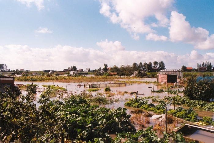 piershil-wateroverlast-18september-1998-volkstuinen-03
