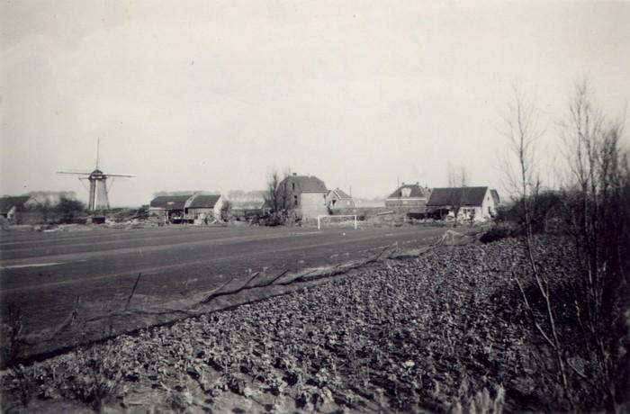 piershil-watersnood-voetbal-25feb1953