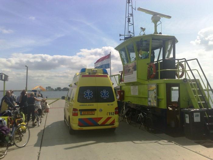 tienegmeten-ambulance-31juli2011-02
