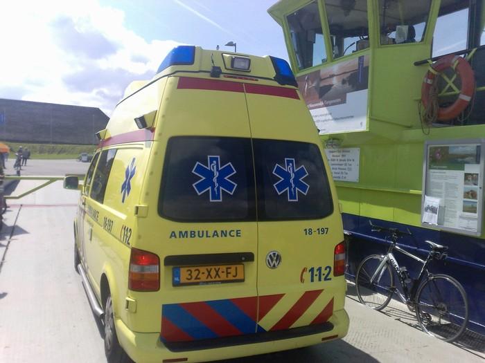 tienegmeten-ambulance-31juli2011-03