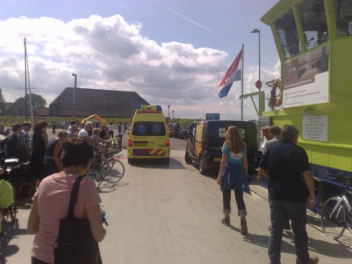 tienegmeten-ambulance-31juli2011-04
