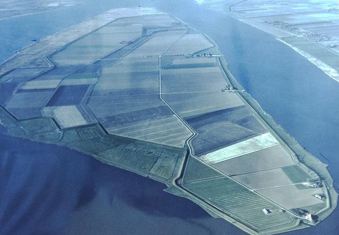 tiengemeten-luchtfoto-herfst-1983