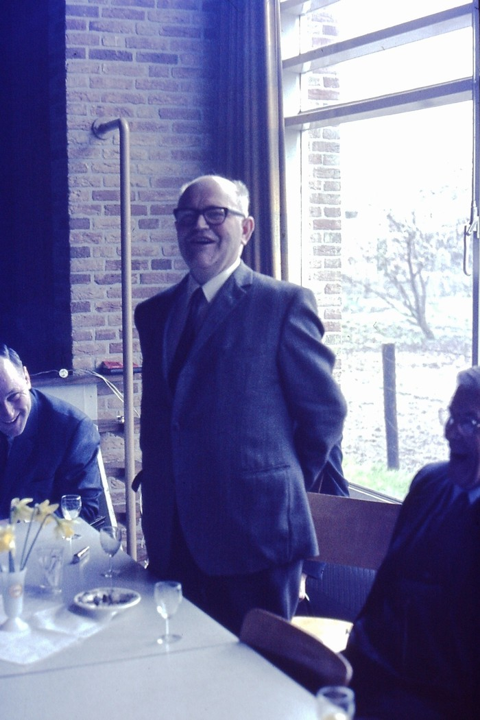 piershil-24april1970-bijeenkomst-dorpshuis-nasteenlegging-ds-speelman-02