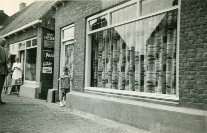 piershil-ao-supermarkt-27juni1957-02