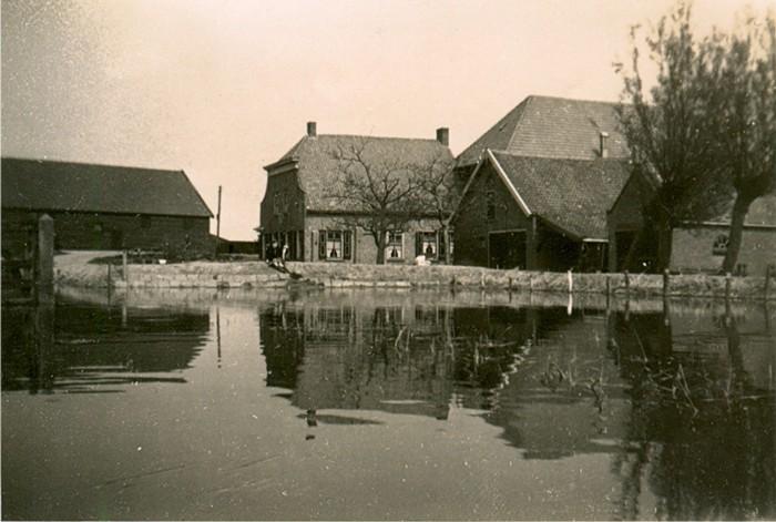 piershil-boerderij-pietoosthoek-1945