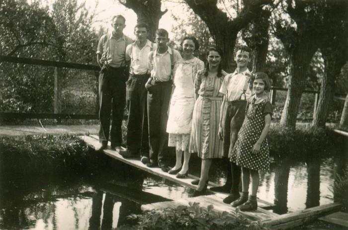 piershil-boogerdsloot-pietkoosrienbetaartjejanushanna1938-02