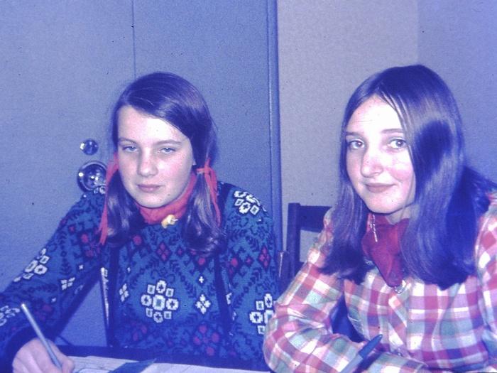piershil-catechisatie-oudeschool-meisjes-1970-04