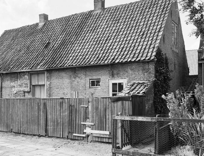piershil-eersteschool-achterkant-1961-02